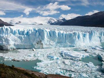 gletsjer-ijs-blauw-bergen