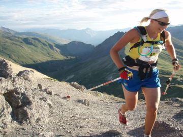 86e676af075 Als je trailrunning met hardlopen vergelijkt, wordt al snel duidelijk dat  er aardig wat verschillen zijn tussen deze twee sporten. Hardlopen is een  sport, ...
