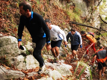 trailrunning-groep-steil-berg-natuur