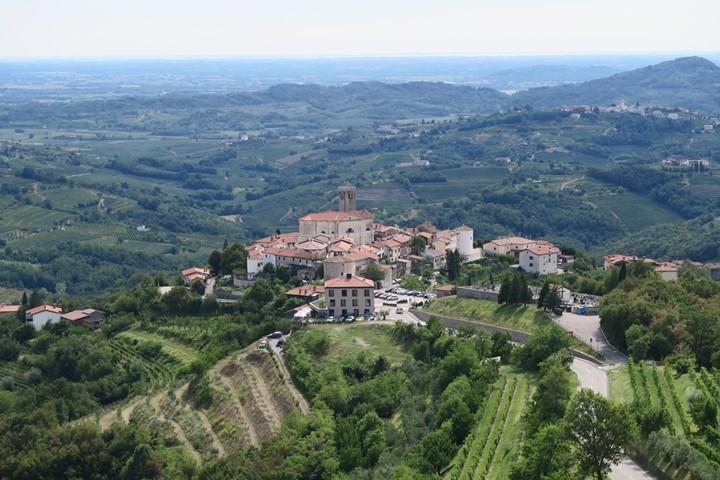 alpe-adria-trail-etappe-e30-kasteel-grad-dobrovo