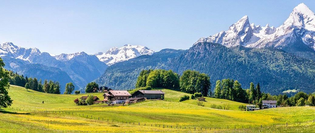 In de zomer naar de Alpen