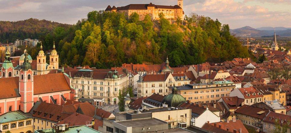 Het centrum van Ljubljana met het kasteel: Ljubjanski Grad