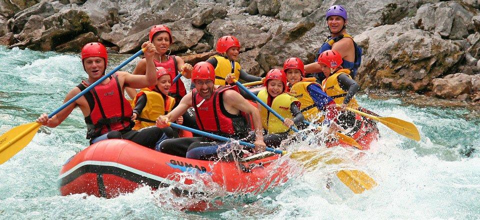 Raften op de Soča rivier in Slovenië