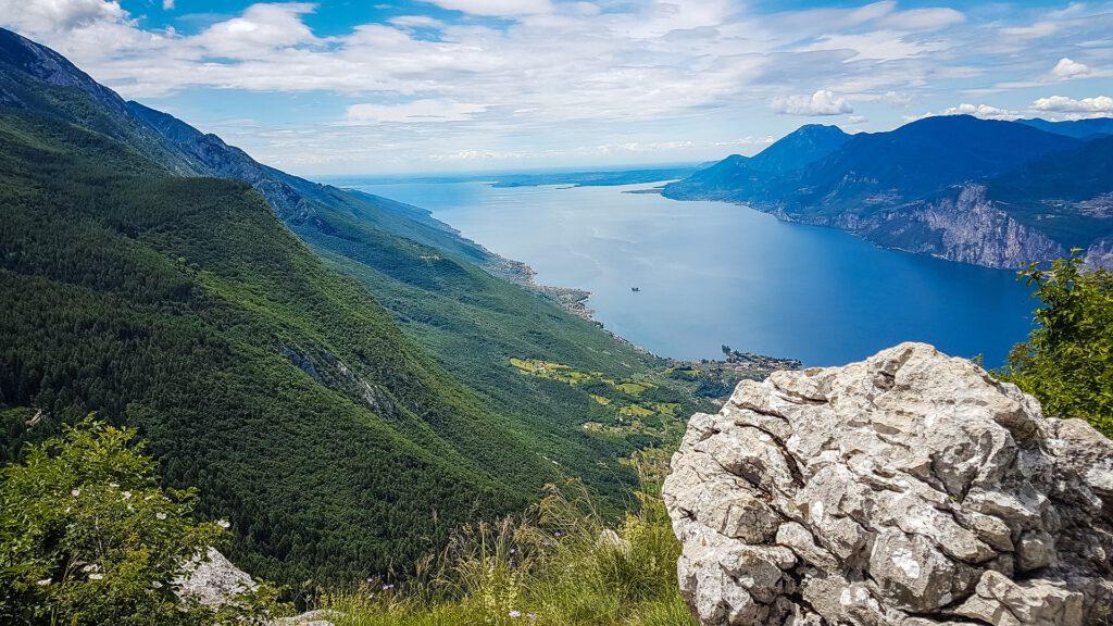 Uitzicht Gardameer Italiaanse Alpen