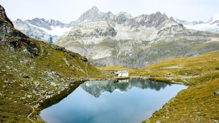 Meer in de bergen in Oostenrijk